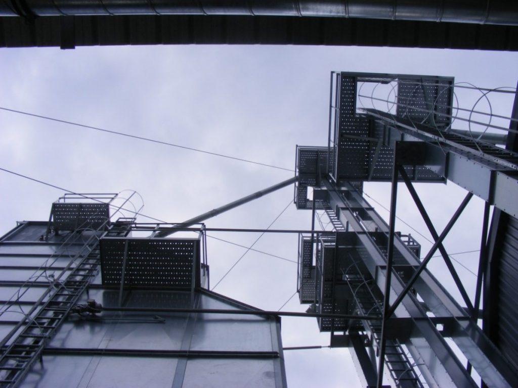 Rebríky a montážne pódiá